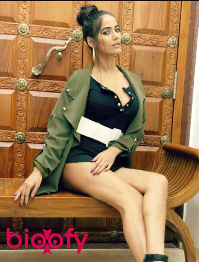 Poonam Pandey pic