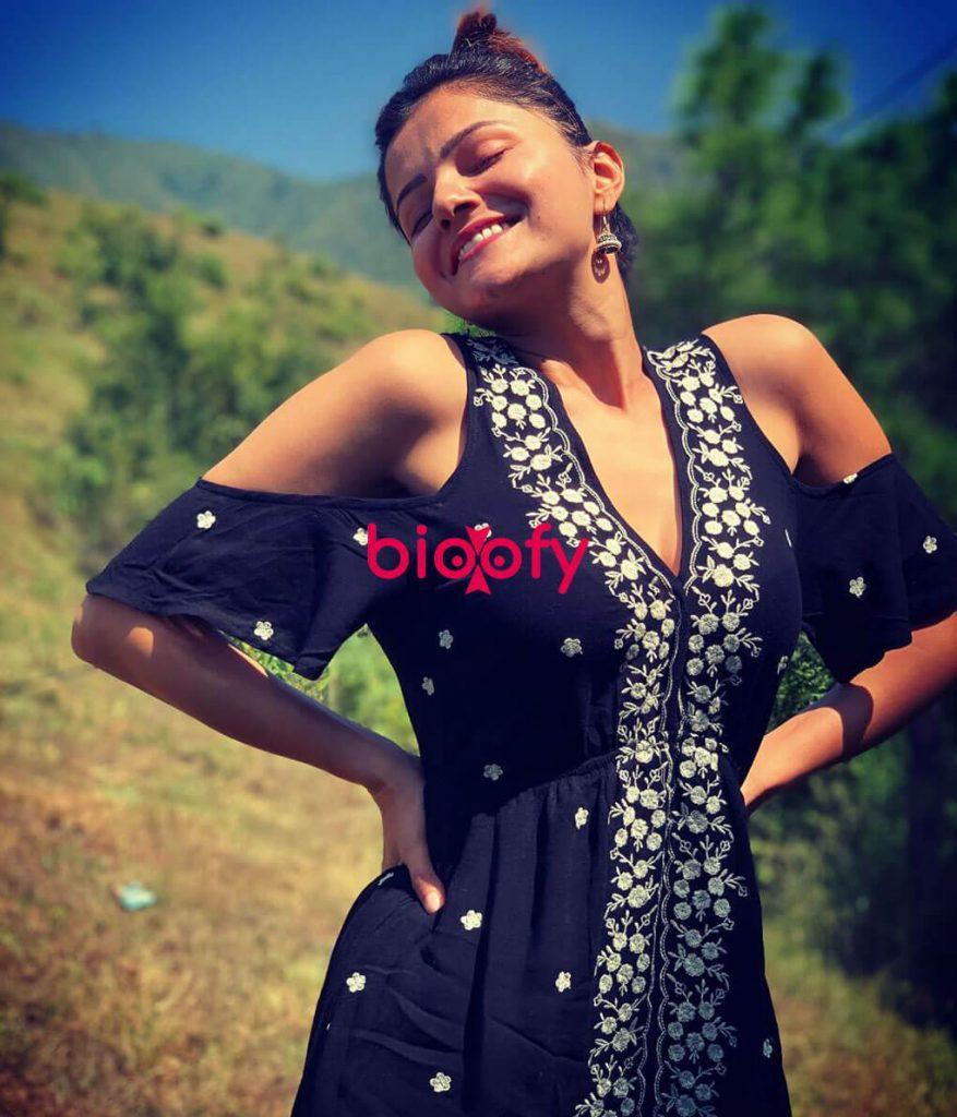 Rubina Dilaik black dress