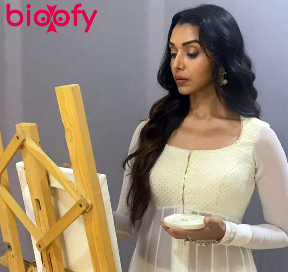 Anupriya Goenka biography