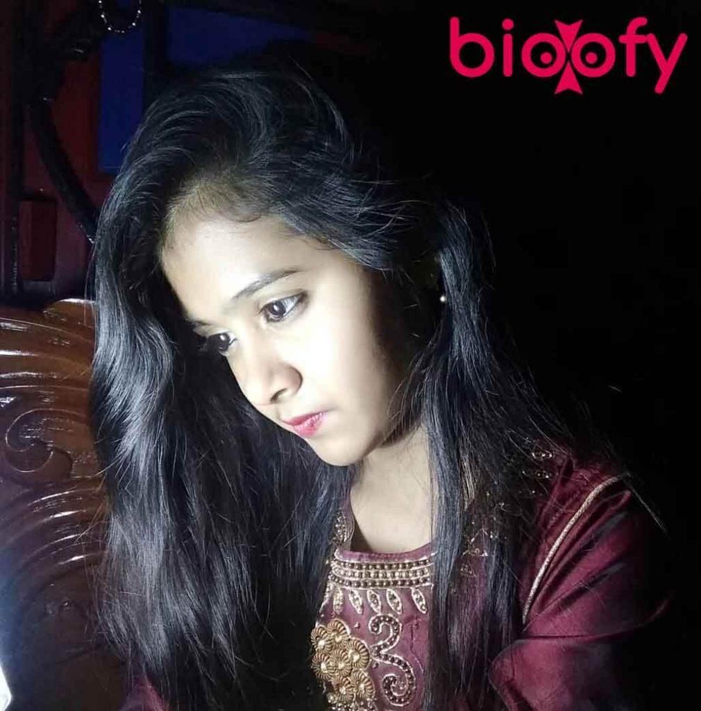 Jiya Khan bioofy