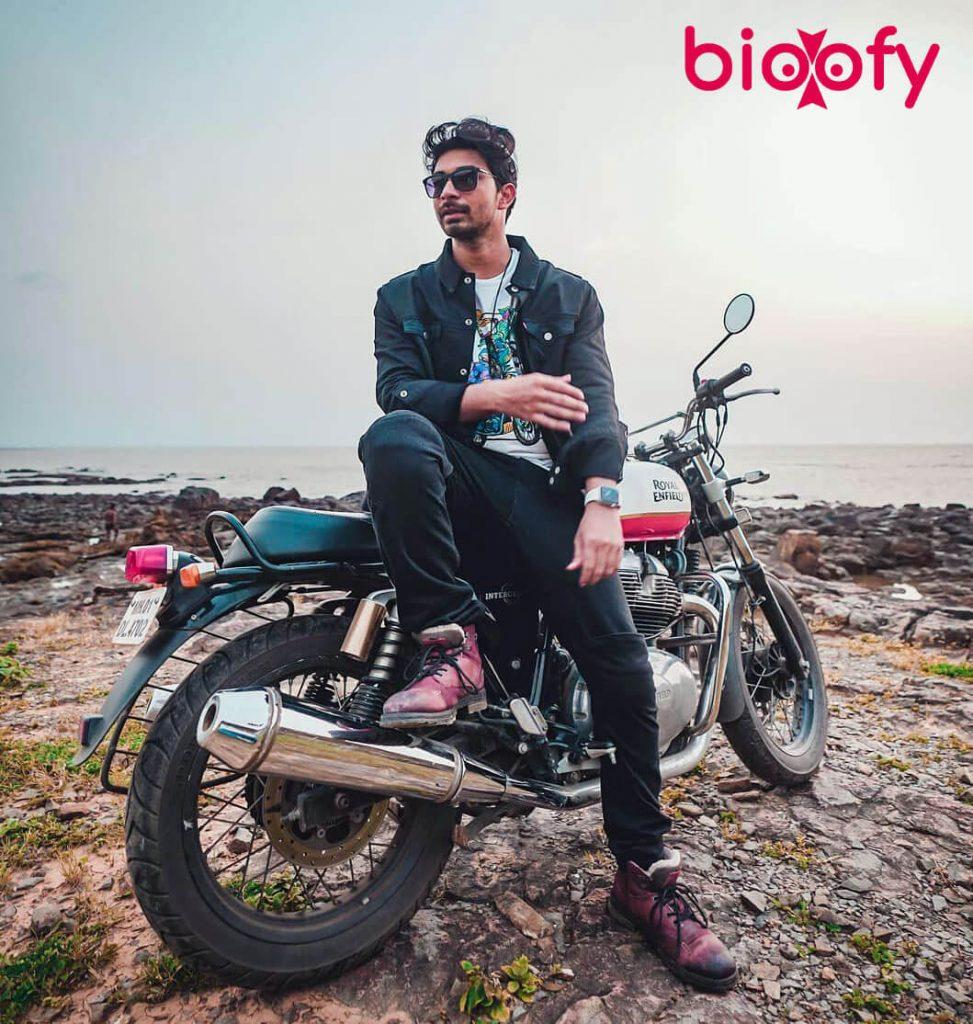 Mohammed Salim Khan bike
